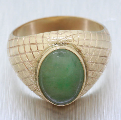 Men's 1960s Vintage 14k Solid Yellow Gold Artisan 0.75ct Jade Ring