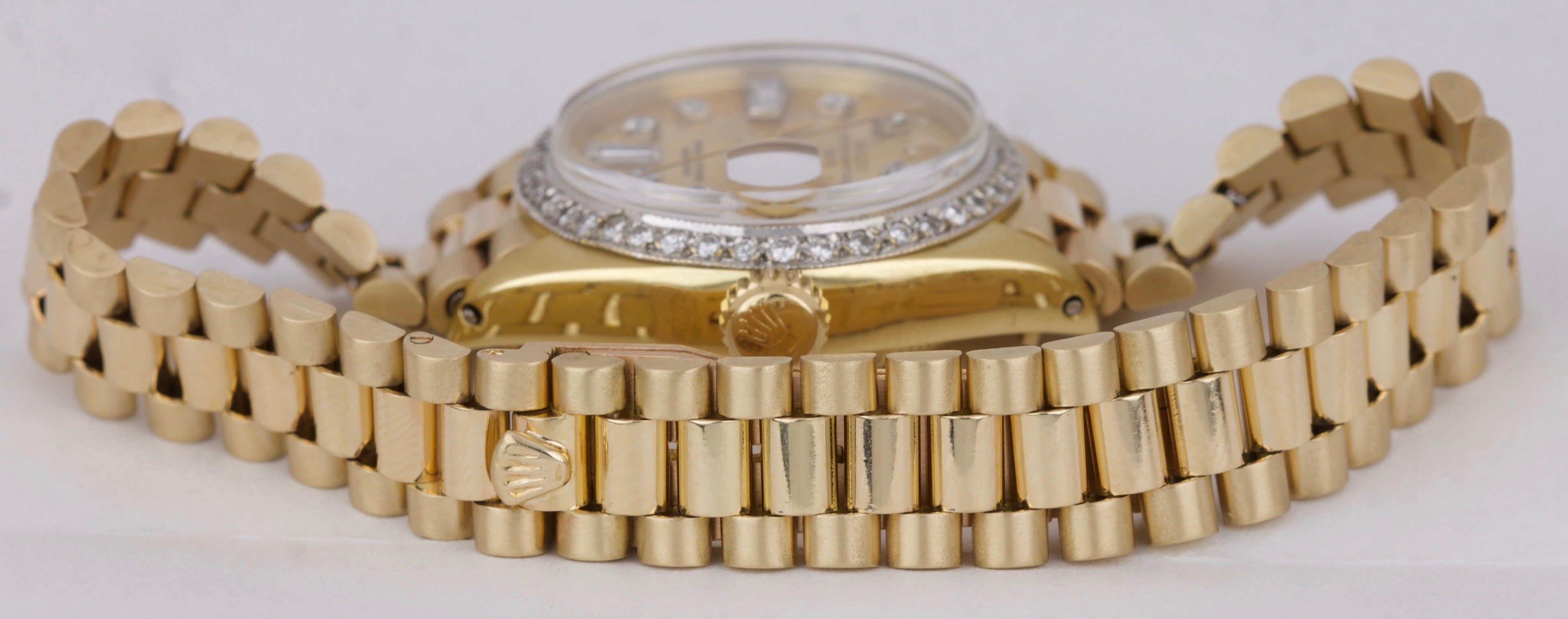 Ladies Rolex Date 6917 President 26mm Diamond Bezel 18K Yellow Gold Watch 69178