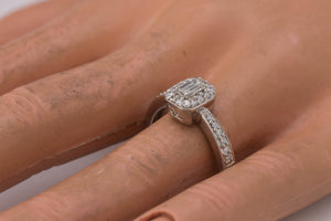 Lovely 14K White Gold 0.45ctw Baguette Cut Diamond Anniversary Engagement Ring