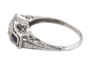 Antique Art Deco 18K White Gold 0.20 CT Diamond Blue Sapphire Filigree Ring