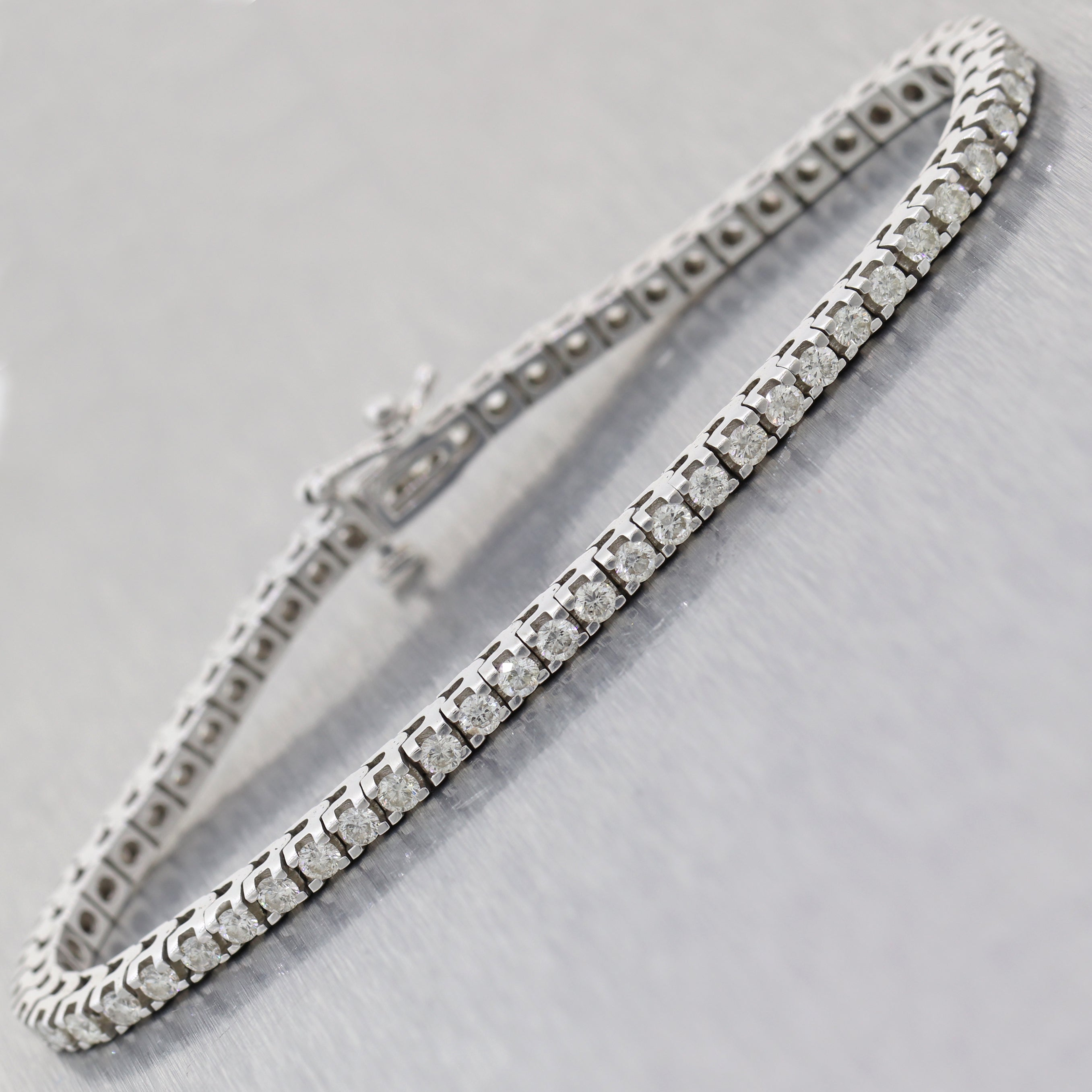 Modern Solid 14k White Gold 3.00ctw Diamond 3mm Tennis Bracelet N8