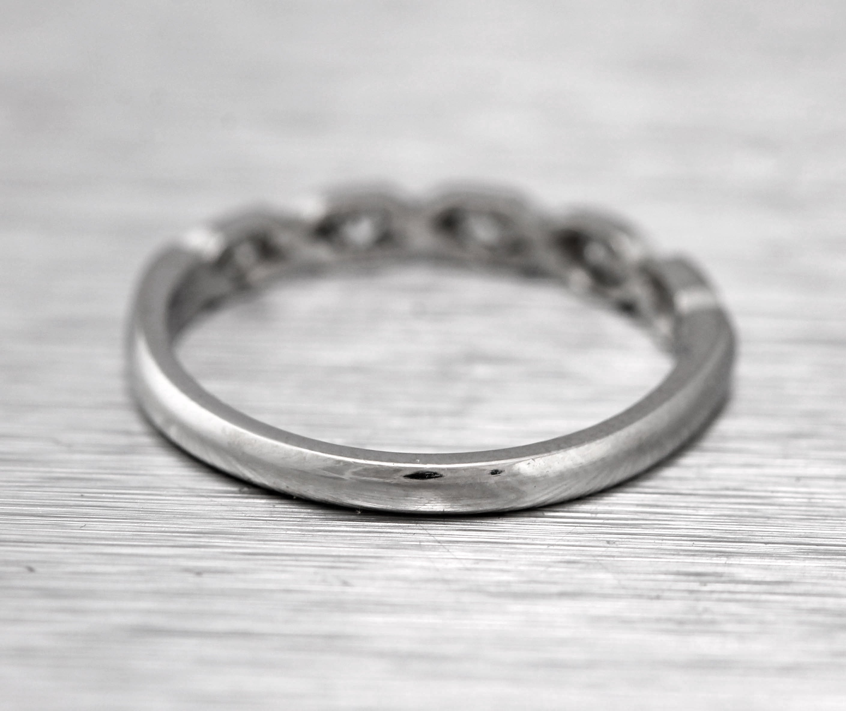 Lovely Ladies Estate Platinum 0.20ctw Diamond Dainty Stackable Ring