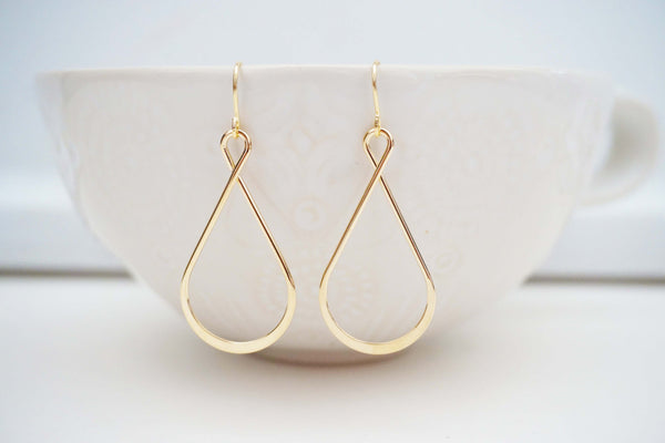 Glossy Gold Twist Teardrop Earrings