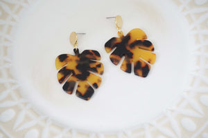 Tortoise Acrylic Leaf Gold Post Earrings