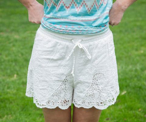 Crochet Scalloped Eyelet Shorts - Amore Clothing - 2