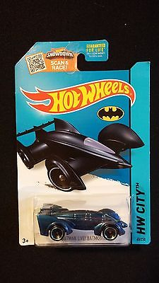 2015 HOT WHEELS Batman Batmobile Live (Blue) Collectible POP CULTURE / MOVIES