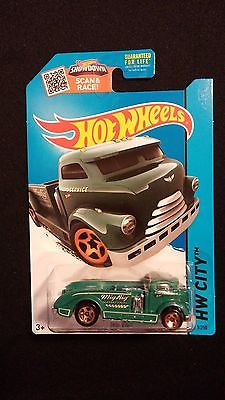 2015 HOT WHEELS Mig Rig Green Truck HW CITY Collectible Toy Car