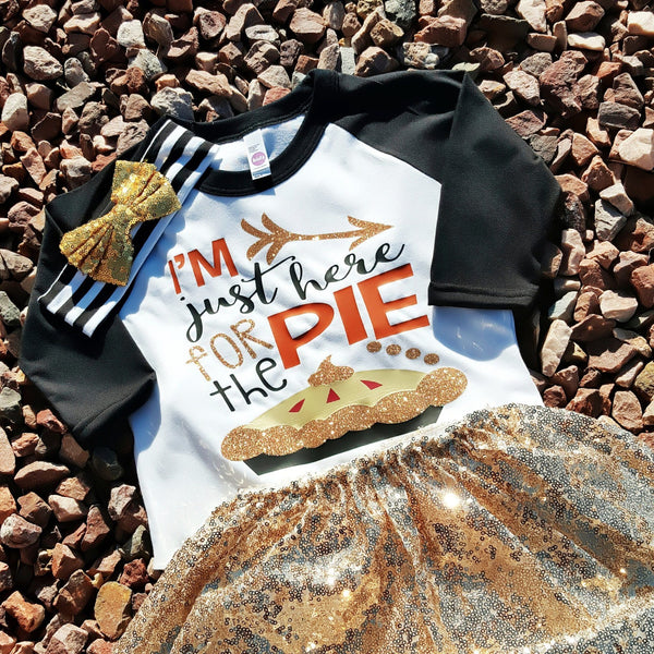 """I'm here for the Pie"" Raglan - Pink Plush Boutique"