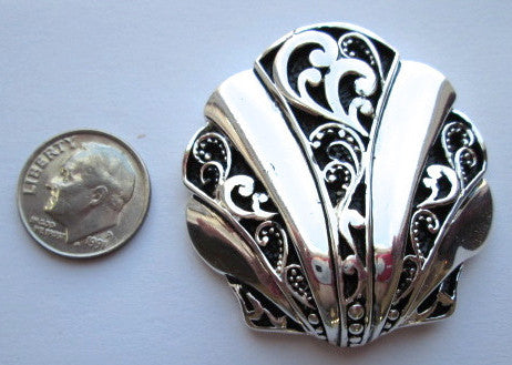 Needle Minder ~ Silver Shell