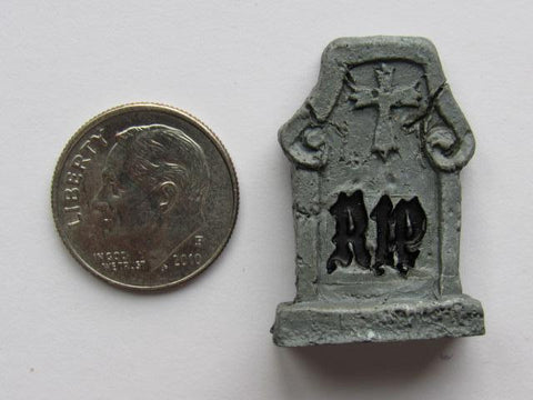 Needle Minder ~ Tombstone #5 (Cross)