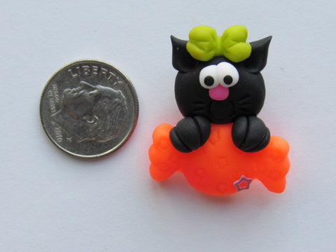 Needle Minder -  Kitty with Candy (Clay)