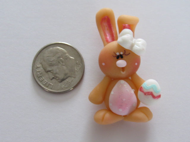 Needle Minder ~ Bunny w/Easter egg (Clay)