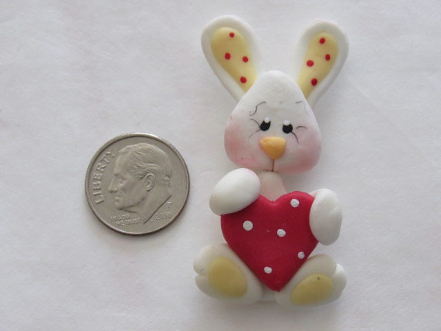 Needle Minder ~ Bunny Love w/Red Heart (Clay)
