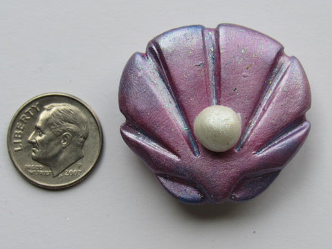 Needle Minder ~ Shell with Pearl (Clay) ONE OF A KIND!