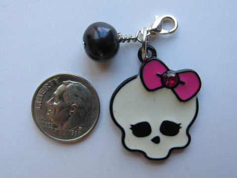 One of a Kind Zipper Pull w/Baroque Pearls ~ Sally Skull