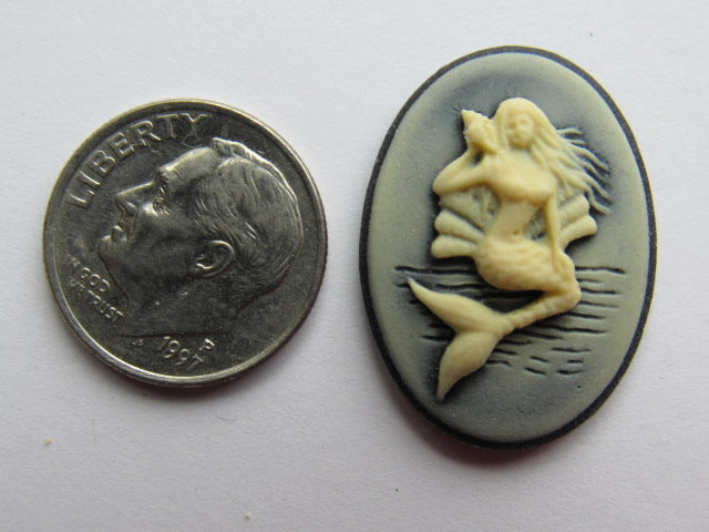 Needle Minder ~ Black/Ivory Mermaid Cameo