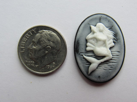 Needle Minder ~ Black/White Mermaid Cameo