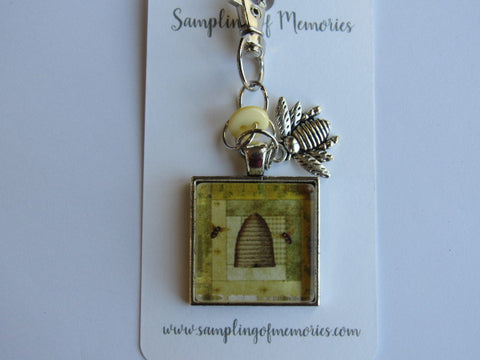 Sampling of Memories ~ Bee Skep 1 (Square) Scissors Keep