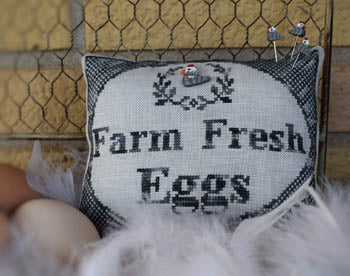 Puntini Puntini ~ Farm Fresh Eggs w/button