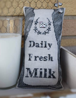 Puntini Puntini ~ Daily Fresh Milk w/button