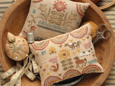 Heartstring Samplery ~ Farm & Folk Penny Cushions