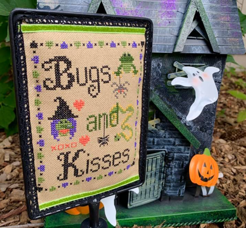 Pickle Barrel Designs ~ Bugs & Kisses