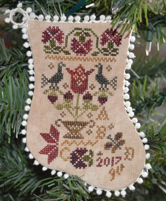 Abby Rose Designs ~ Tulip Basket Ornament
