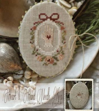 Country Stitches/With Thy Needle & Thread ~ Heart & Hand Needle Keep