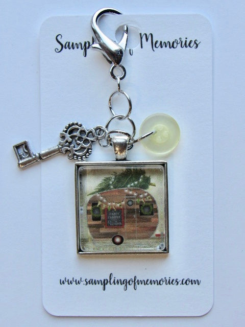 Sampling of Memories ~ Christmas Camper Scissor Keep (DSL Exclusive!)