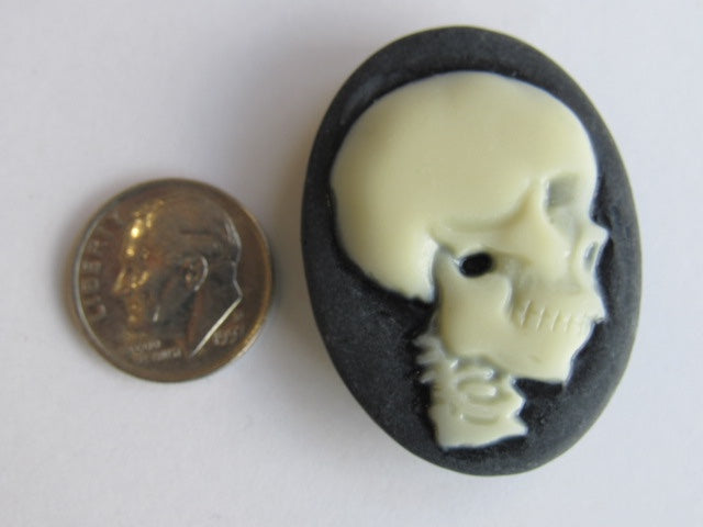 Needle Minder ~ Skull   **very limited # available