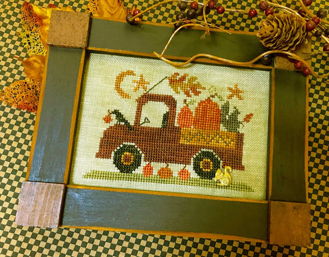 Homespun Elegance ~ Pumpkin Pickin' Truck