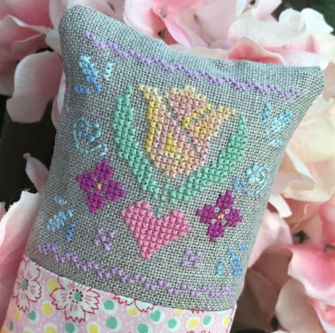 Luhu Stitches ~ Little Spring Fling