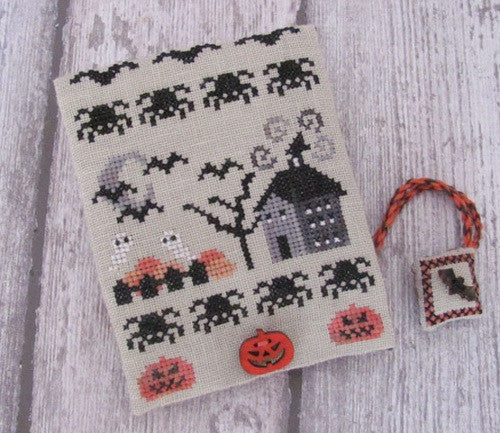 Mani di Donna ~ Halloween Midnight Sewing Set w/buttons