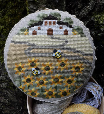 Puntini Puntini ~ Sunflowers And Bees w/2 bee buttons