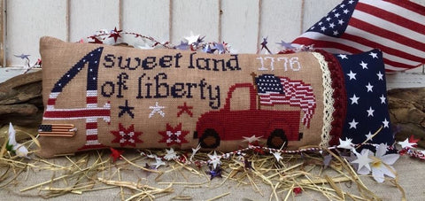 Rovaris ~ Sweet Land of Liberty w/lace & flag button (look at that red truck!)