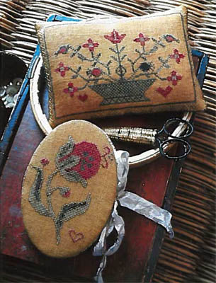 Stacy Nash Primitives ~ Summer Pomegranate Needle Book& Pinkeep