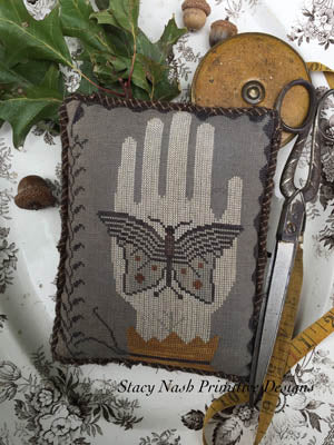 Stacy Nash Primitives ~ Moon Moth Pinkeep