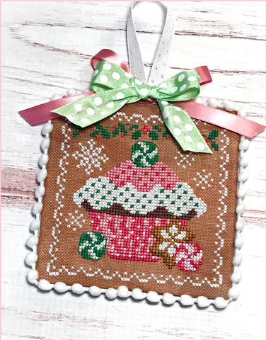 Sugar Stitches Designs ~ Holiday Cupcake