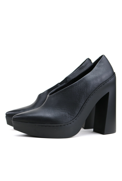 Black Leather Pumps with Flared Rubber Heel