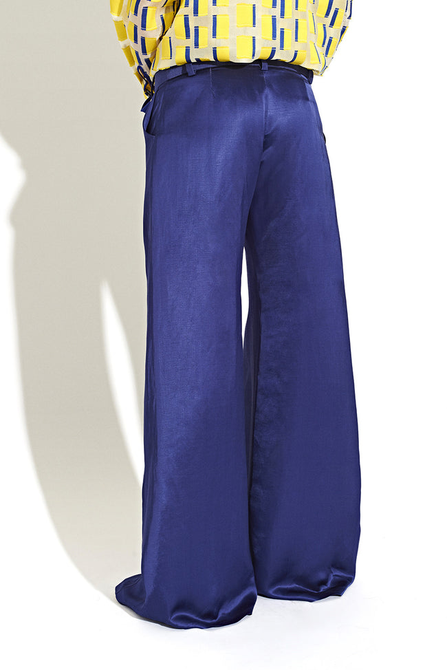 Wide leg pleat pants with contrast