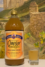 Load image into Gallery viewer, Solana Gold Raw Apple Cider Vinegar 1 quart bottle and glass