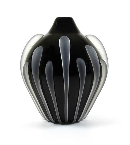Seedpod Vase Black