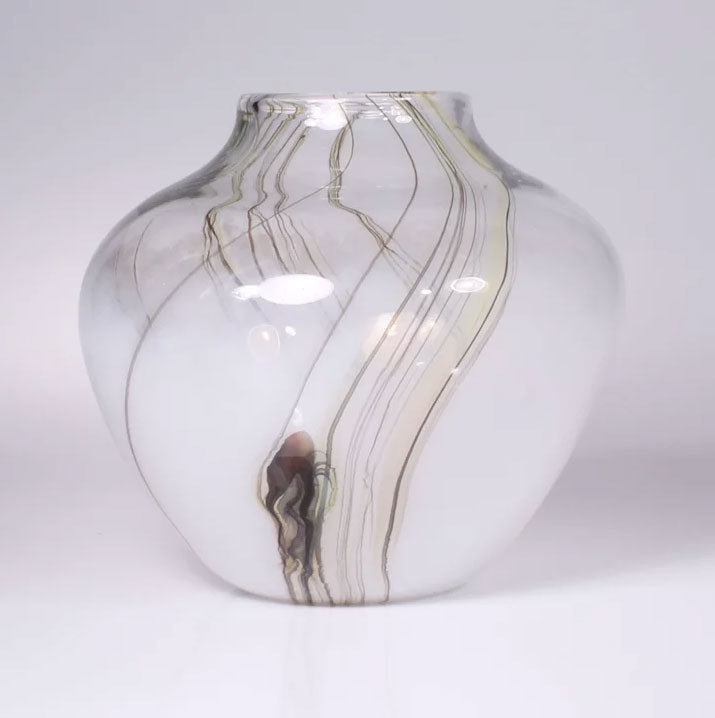 Lily Vase Squat White - Eclipse Gallery