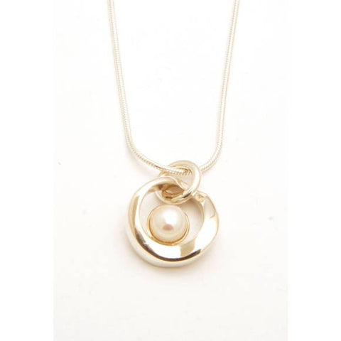 Pearl-Pendant-With-Chain-Tamara-Kelly-Eclipse-Gallery