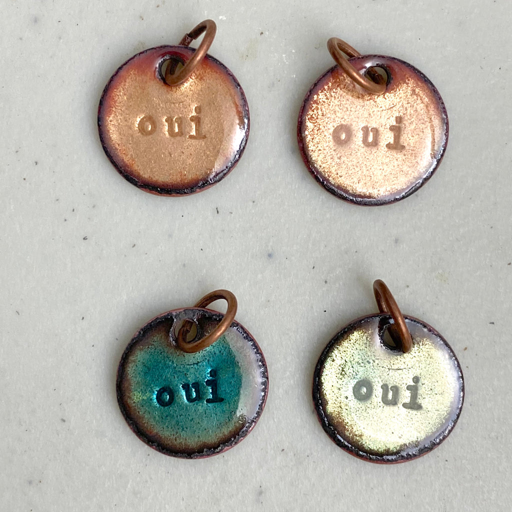 """Oui"" in Various Colors"