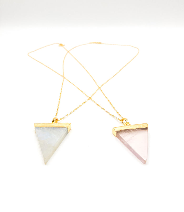 Arrow Pendant Necklace Gold