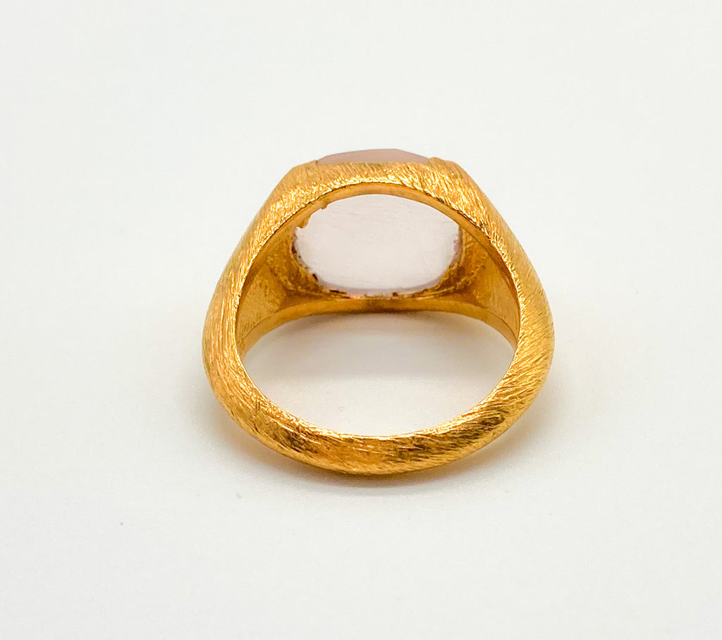 Raised Signet Ring Gold