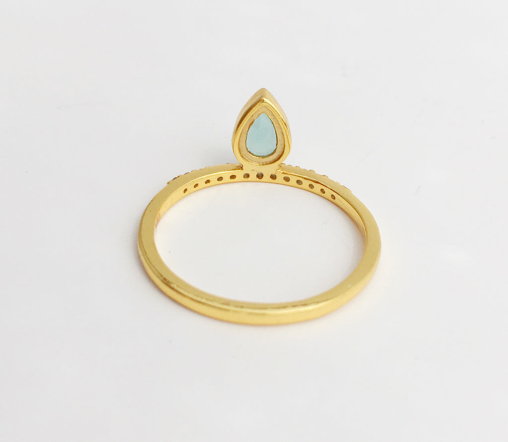 Mini Tear Ring in Gold