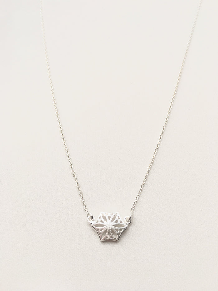 Colorado Snowflower Necklace in Silver