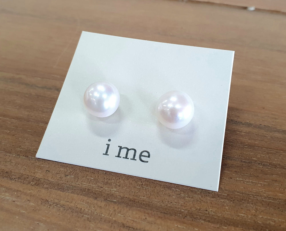 PEARL STUDS MEDIUM